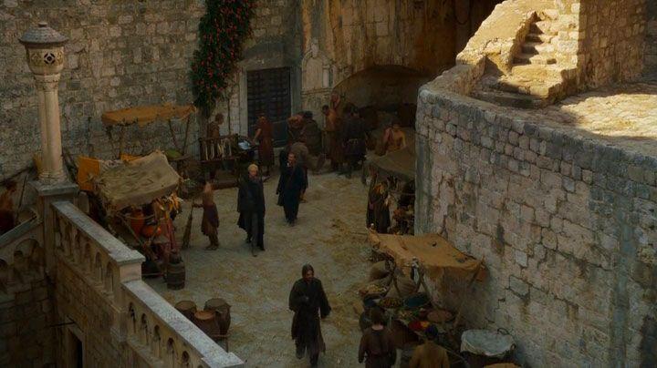 Jaime returns to King's Landing